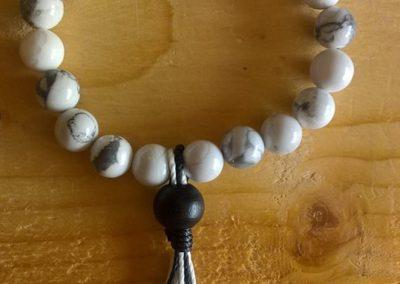 Bracelet tibétain en perle d'howlite