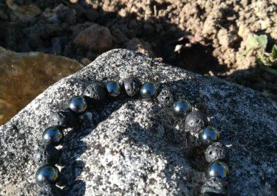 Bracelet en pierre de lave et hématite