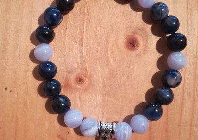 bracelet en Calcédoine Bleue et Sodalite et breloque Arbre de Vie